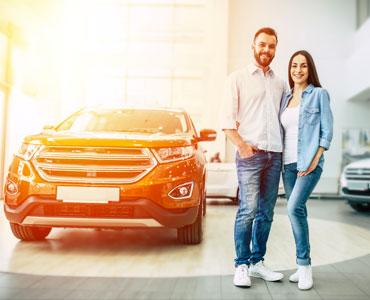 Acheter une voiture SUV dans un salon pour auto